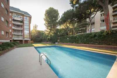 Huge apartment with a swimming pool in Pedralbes area in Barcelona